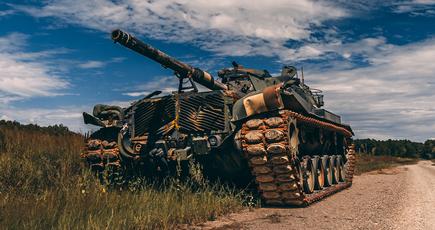 У Львові з допомогою пива випробували український танк