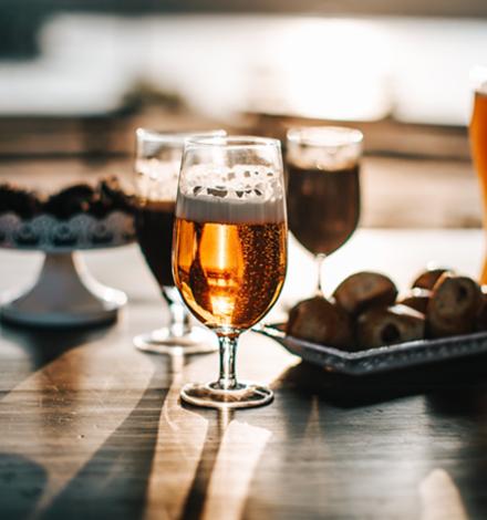 Від форми бокалу залежить кількість випитого пива